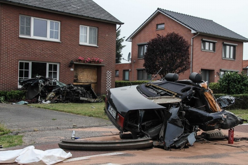 Audi-S8-Accident-15%25255B2%25255D.jpg