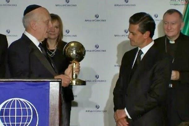 Recibe Peña Nieto premio al estadista del año