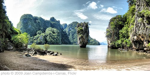'James Bond Island' photo (c) 2009, Joan Campderrós-i-Canas - license: http://creativecommons.org/licenses/by/2.0/