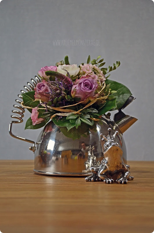 FridayFlowerday_rosa Teekesselsträußchen