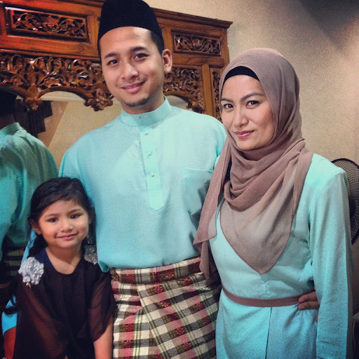 Family picture for raya2012