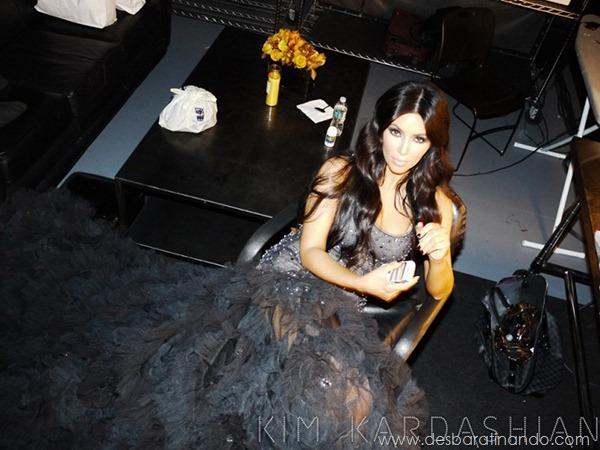 kim-kardashian-linda-sensual-sexy-sedutora-boob-peitos-decote-ass-bunda-gostosa-desbaratinando-sexta-proibida (7)