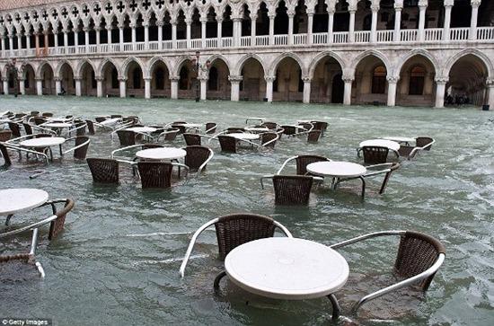 Veneza - enchente (7)