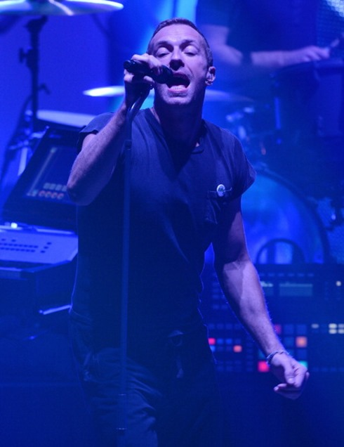 450594940-vocalist-chris-martin-of-british-rock-band-gettyimages