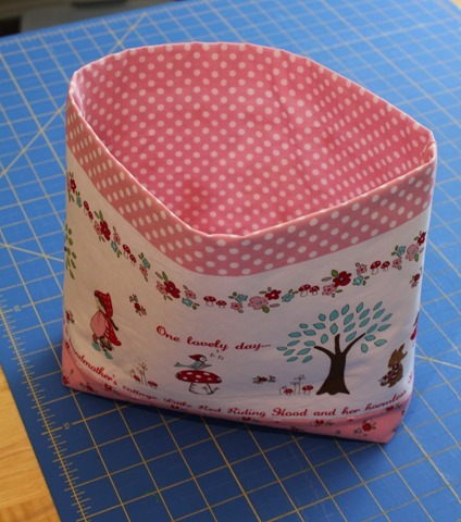 Red Riding Hood tote bag tutorial