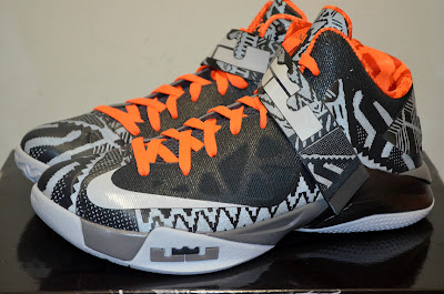 nike zoom soldier 6 pe black history month 3 06 LeBron Nike Zoom Soldier VI Black History Month is not a PE