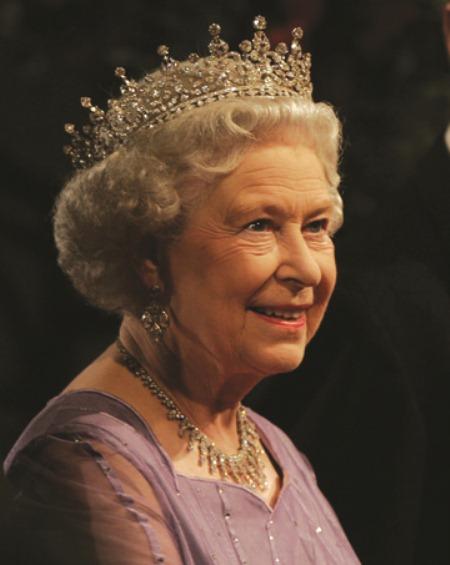 Кололева Елизавета II