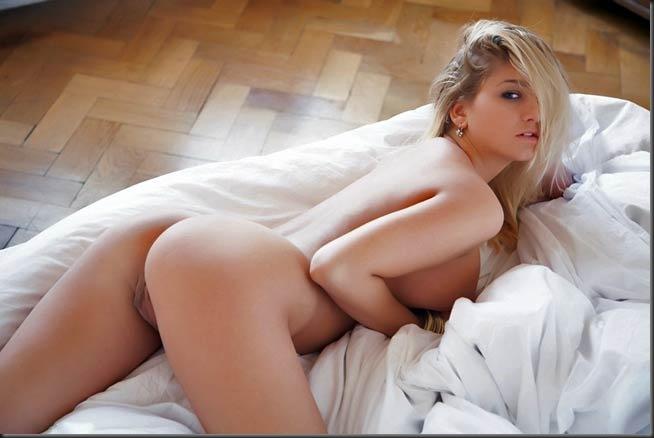 portas-ceu-01-mulher-pelada-nua-buceta-pussy-02003