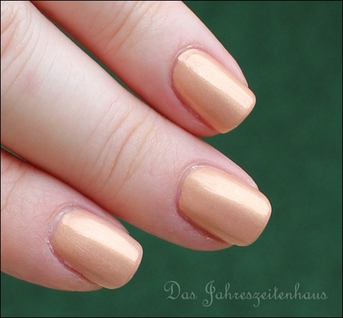 P2 Far east So close LE 010 Golden Amber Nagellack 1
