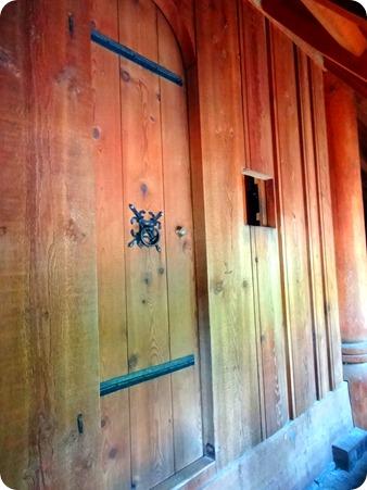 Leper door