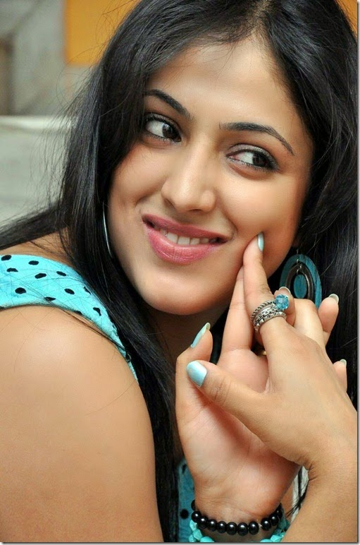 Haripriya_latest_gorgeous_photo