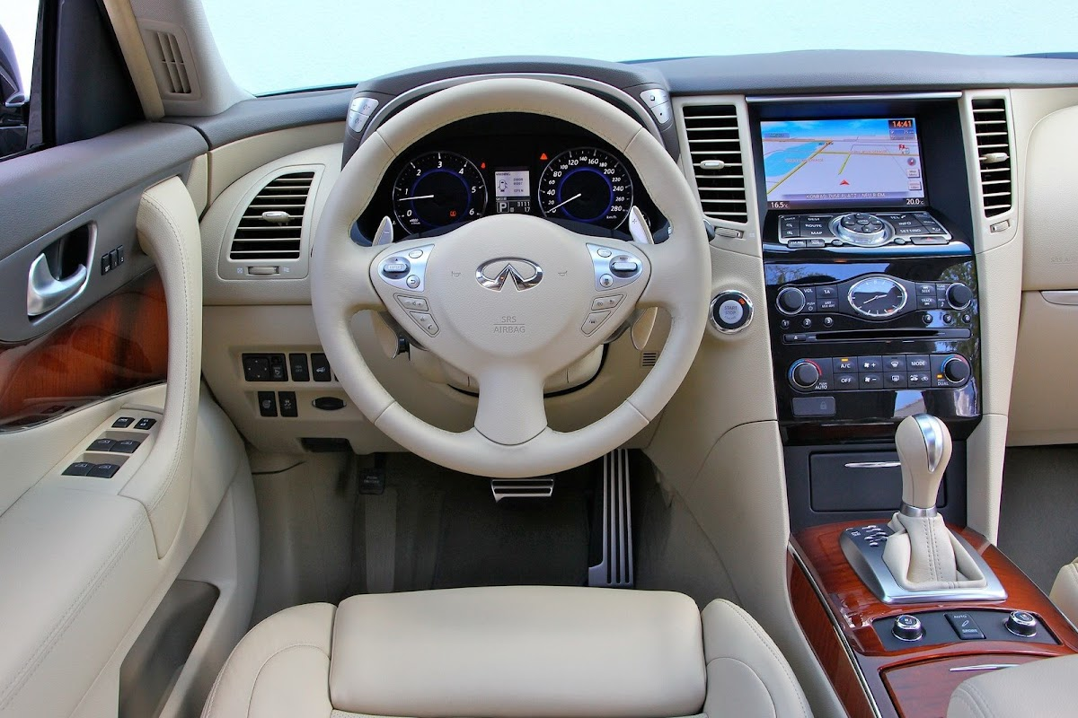 Next infiniti fx the qx70 will keep radical styling place more infiniti fx qx70 12 vanachro Image collections