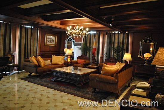 MacArthur Suite 06