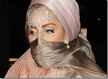 Lady-Gaga-Sudah-Berhijab