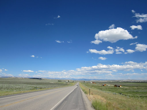 Long straight roads to Pinedale, Wy
