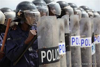 Entrainement de la police à Kisangani, décembre 2010.