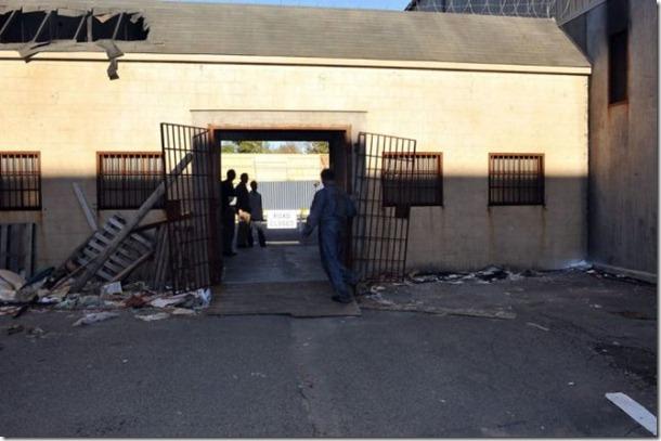 walking-dead-prison-set-20