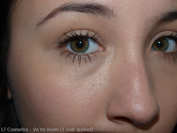 01-17-Cosmetics-Mascara-Review  Va Va Voom 1 coat