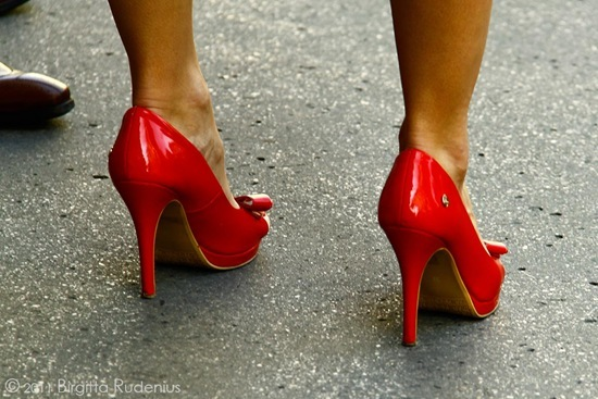 feet_20110928_red1