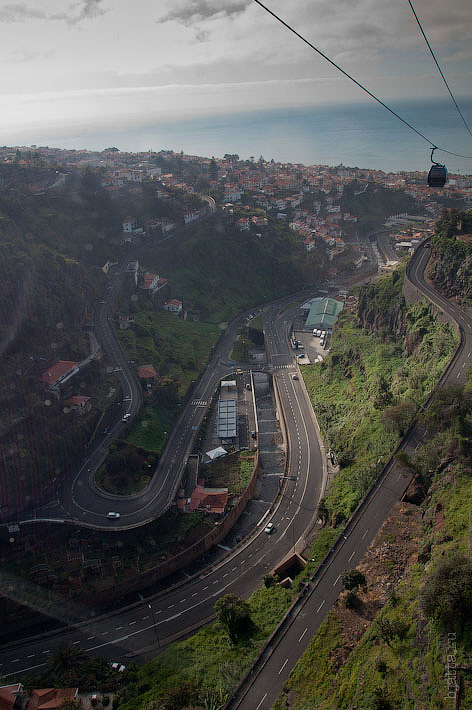 18. Обычная такая Фуншальская развязка. Канатная дорога. Фуншал. Мадейра. Круиз на Costa Concordia.