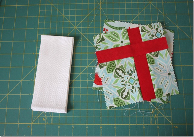 Simple Gifts Christmas Runner8