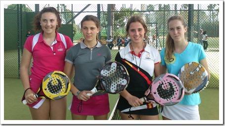 La jugadora del Team NOX, Elena Ramírez, y su pareja de juego Mara Becerra vencieron la disputadísima final en categoría cadete por 7/5 y 6/4 a la pareja formada por Carmena – Elliot.