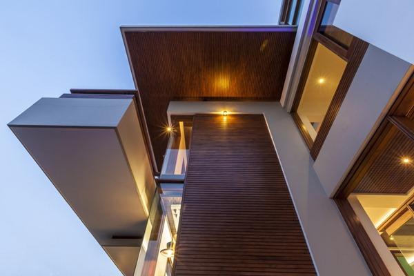 fachada-con-madera