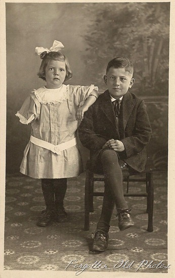 Postcard Elvera and Clayton Felton DL Antiques