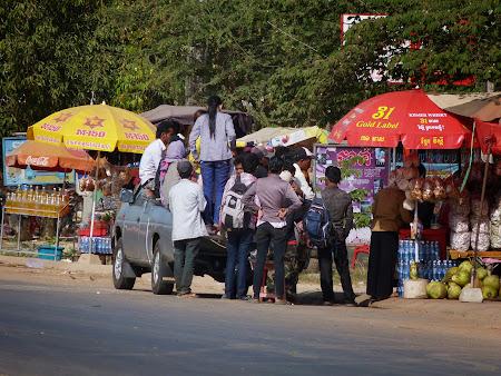 4. Transportul in comun Cambogia.JPG