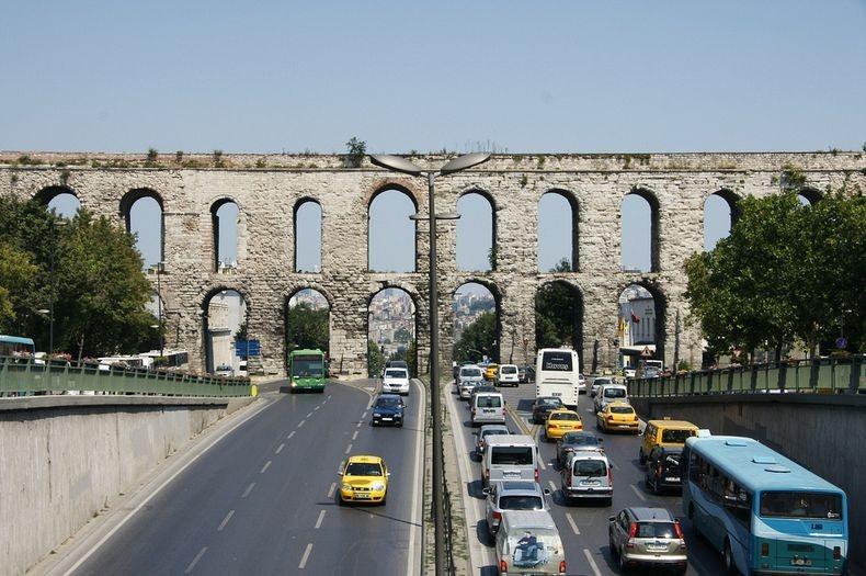 valens-aqueduct-1