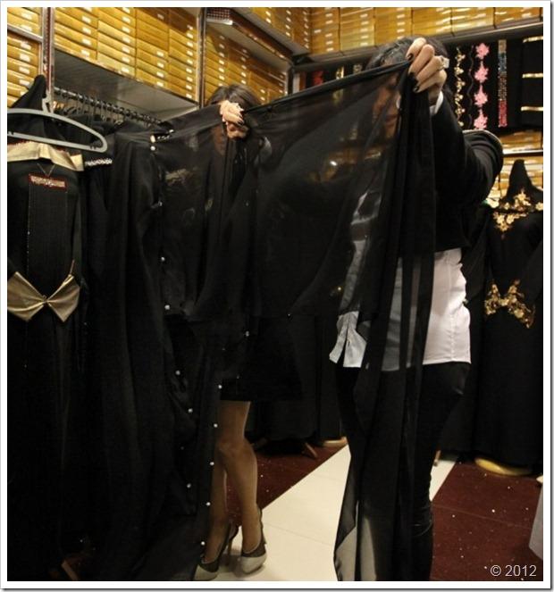 Kim Kardishan Wearing Abaya In Dubai3