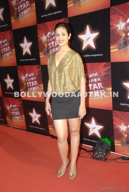 Anjana Sukhani Hot Pics in Golden Dress 7