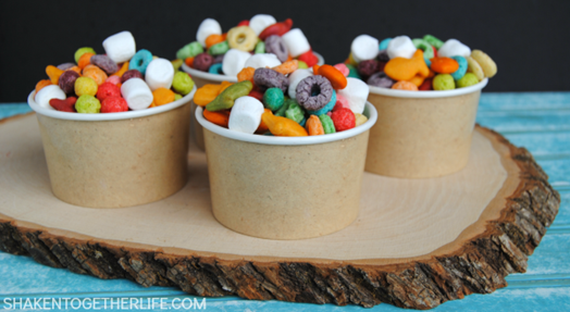 easy-rainbow-snack-mix-featured