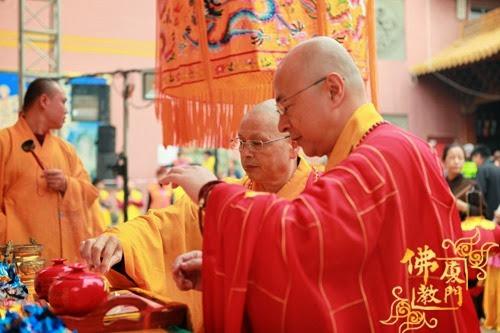 Thời sự tin tức Phật gáo thế giới - Người Áo Lam - 005