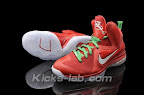 nike lebron 9 gr christmas 3 03 Throwback Thursday: Look Back at LBJs 2011 Christmas Shoes