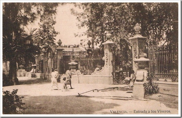 1932 JARDINES DEL REAL Entrada a Viveros, 1932