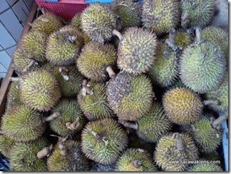durians_sarawak_market_6