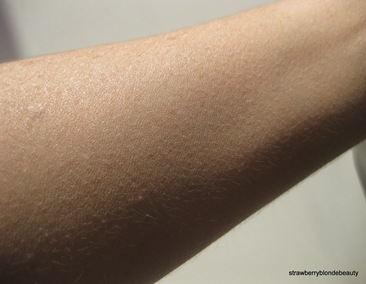 Laura Mercier Creme Smooth Warm Ivory swatch