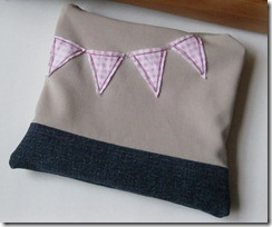 bunting zippered pouch
