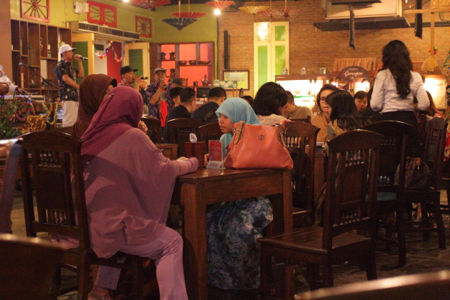 Dining is a communal event in Indonesia