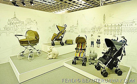 FENDI INGLESINA BABY PRAM CARRIER STROLLER MADE IN ITALY  74° Pitti Bimbo PARTNERSHIP