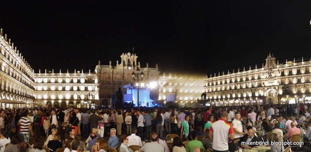 P1100680-682_stitch plaza mayor concert