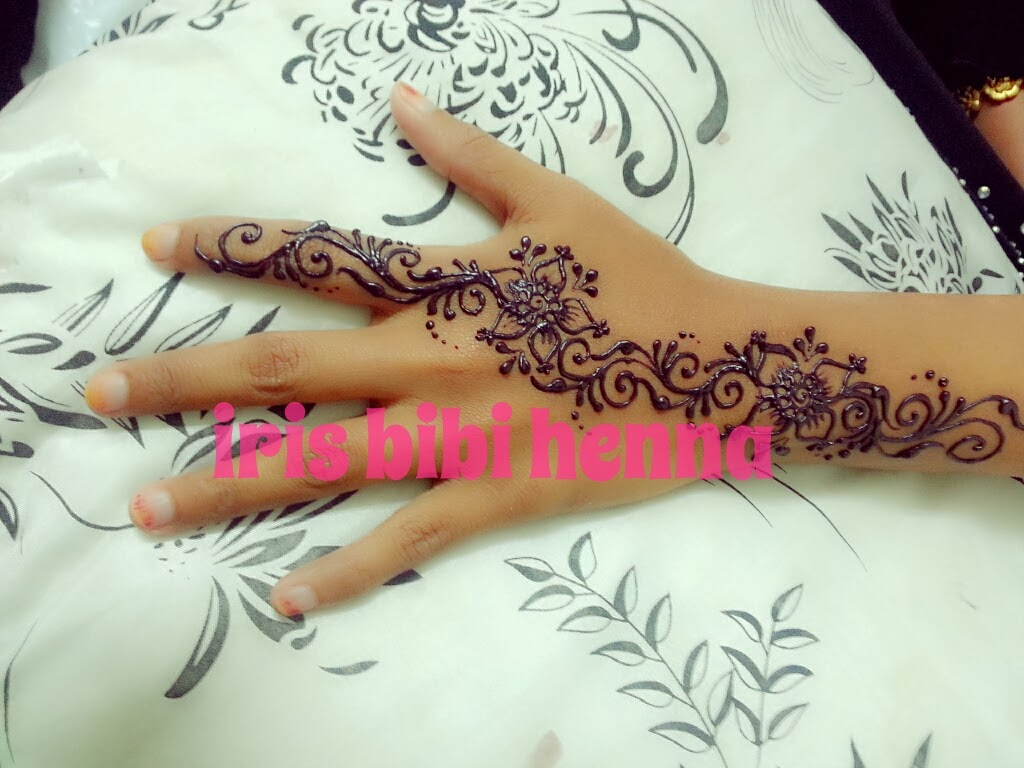 Simple Design Ukiran Inai Inai Pengantin Ukiran Henna Dan Make Up