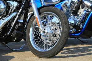 2012-Harley-Davidson-Dyna-Super-Glide.1