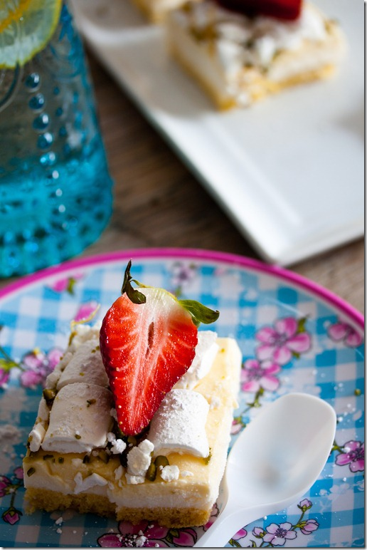 Lemon Curd cake with Buttermilk Panna cotta (14 von 27)