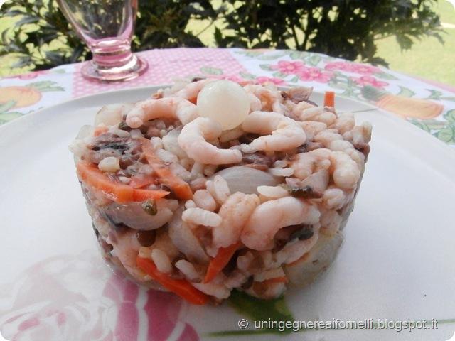 insalata riso legumi gamberetti carote cipolline lenticchie piselli fagioli azuki