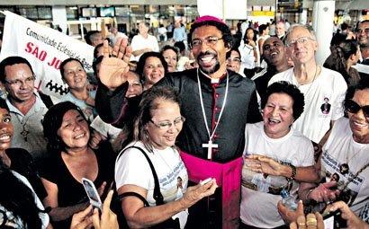 Novo bispo auxiliar é recebido com festa em Belém (Ney Marcondes)