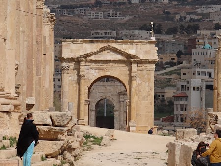 12. Poarta intrare Jerash.JPG