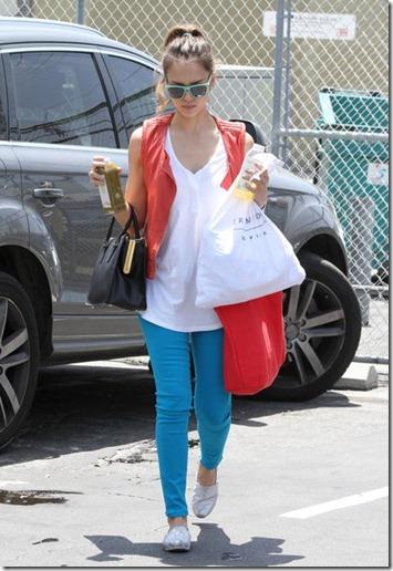 Jessica Alba Jessica Alba Heads Office kVnyTeM2vHRl