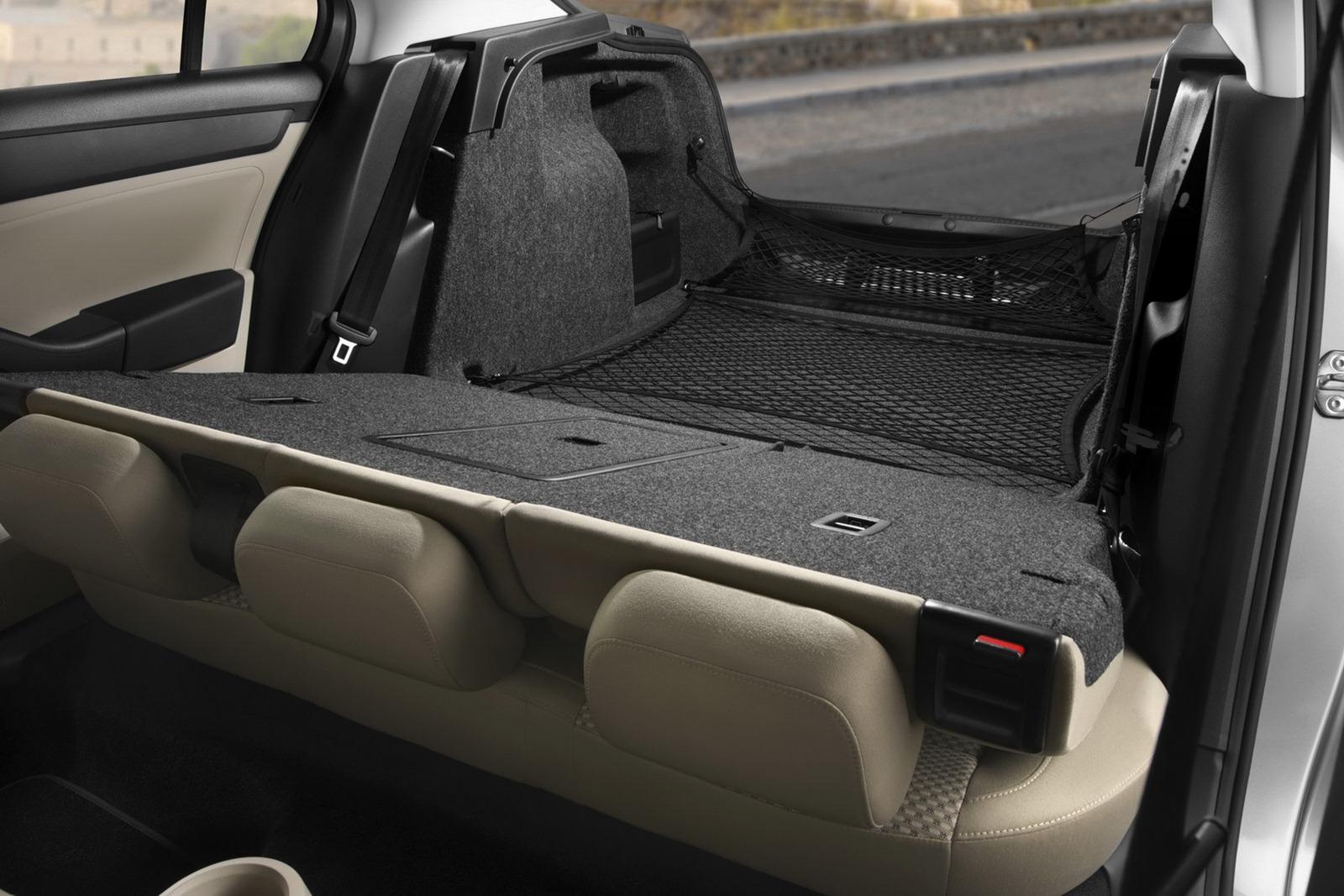 2012 - [Seat] Toledo IV - Page 6 2013-Seat-Toledo-Sedan-61%25255B2%25255D